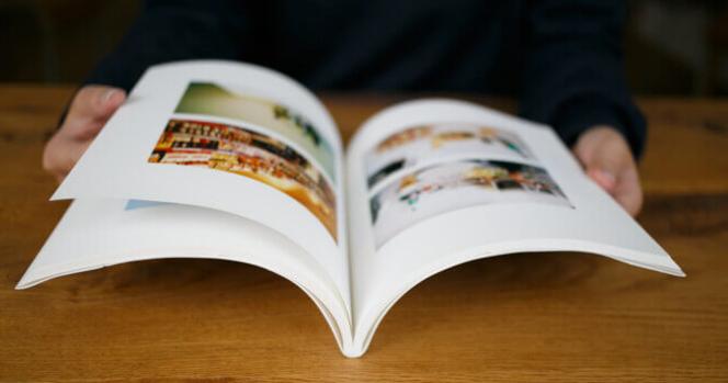 photobackのくるみ製法(見開きに折り目がある)の見本画像